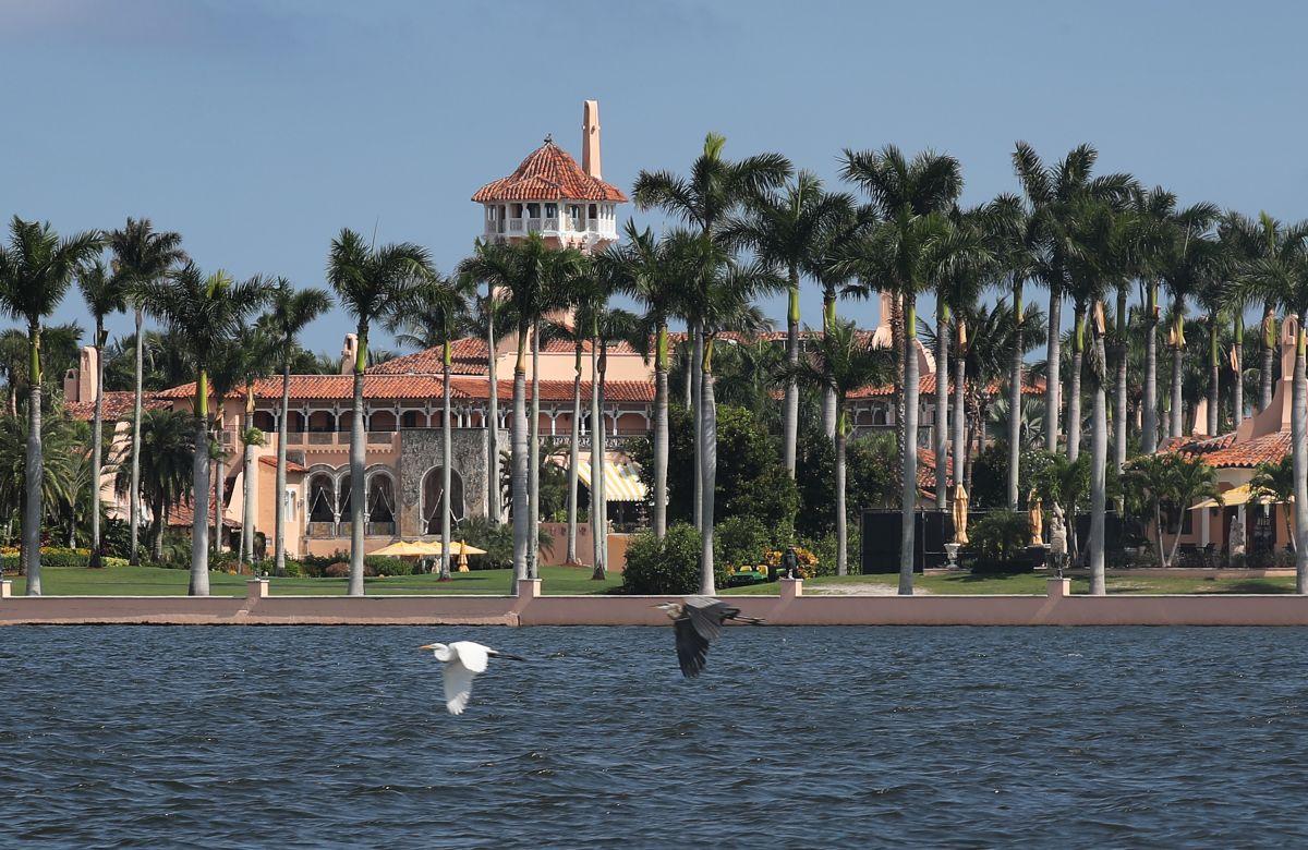 Autoridades de Palm Beach podrían sacar a Trump de su mansión en Mar-a-Lago por incumplir acuerdo de estadía