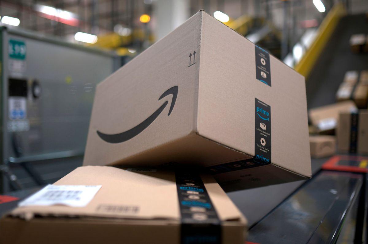 ¿Por qué Amazon cambió su logotipo que se parece al bigote de Hitler?