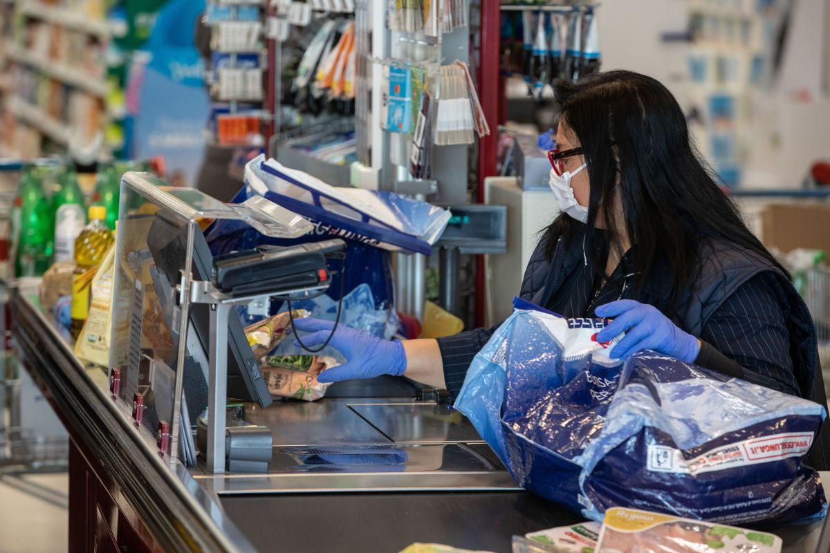Las mujeres han ocupado trabajos esenciales durante la pandemia de coronavirus.