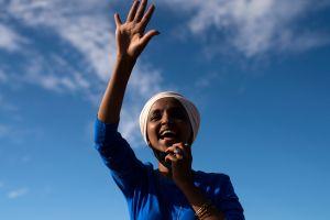Ilhan Omar desatá críticas demócratas por comparar a Estados Unidos con grupos terroristas