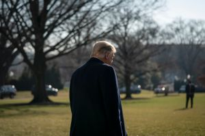 Ceremonia de despedida de Trump tendrá poca asistencia