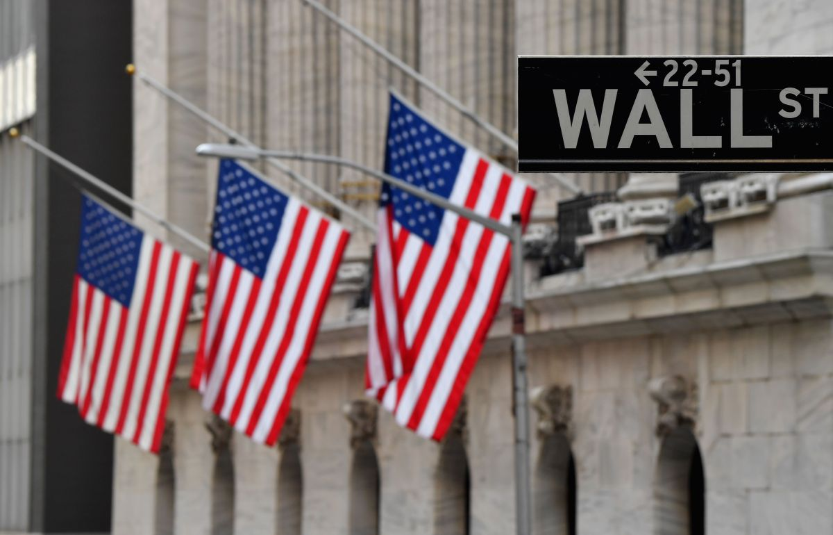 Mercados bursátiles responden positivamente en el primer día de Biden en la presidencia