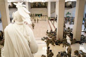 FOTOS: La Guardia Nacional vigila el Capitolio ante amenazas de protestas armadas