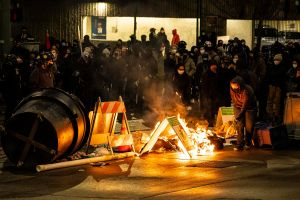 Grupos antifacistas generan caos en Tacoma