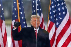 Trump en batalla frontal con líderes republicanos por el control del partido
