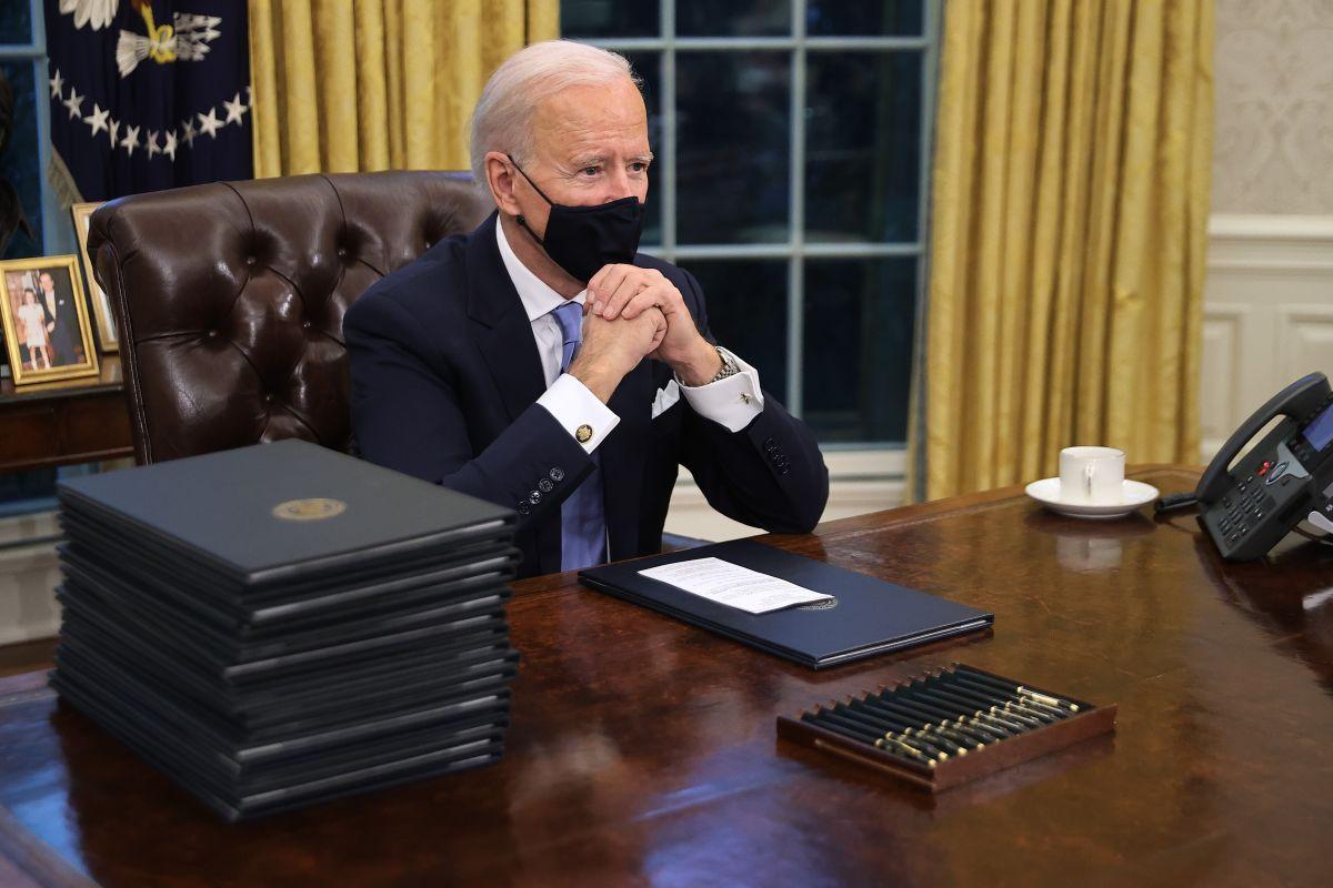 """Biden cancelaría norma de """"carga pública"""" el 29 de enero"""