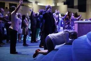 Alto porcentaje de pastores evangélicos difunde teorías de conspiración