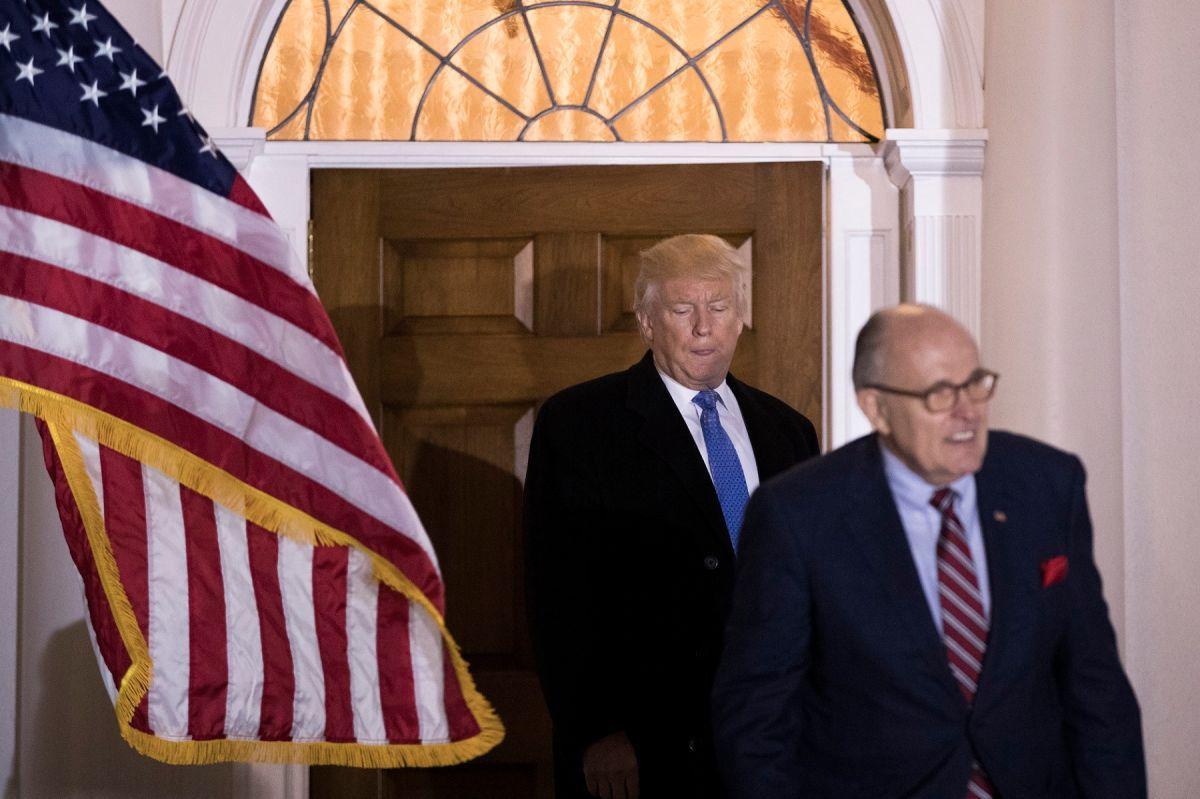 ¿Por qué Trump debería estar preocupado de los problemas legales de Rudy Giuliani con el FBI?