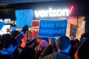 Corte masivo de internet en la costa este interrumpe trabajo en remoto y clases online