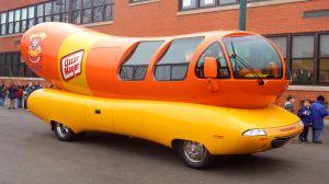 Oscar Mayer está contratando conductores para viajar por todo Estados Unidos en el Wienermobile