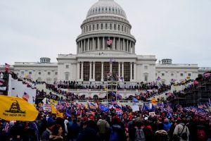 Líderes demócratas y republicanos consideran que Trump incitó los disturbios en el Capitolio