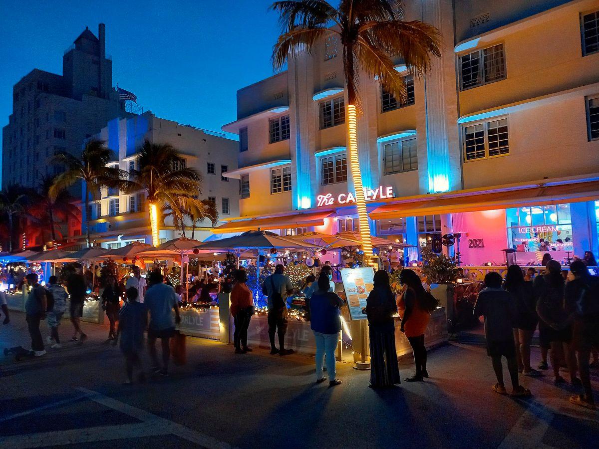 Miami Beach es una fiesta, como si el coronavirus no existiera