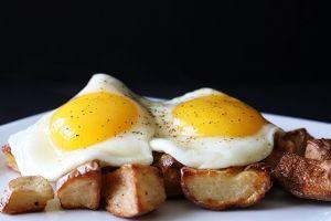 5 peligrosos efectos secundarios de seguir la dieta keto, según los expertos