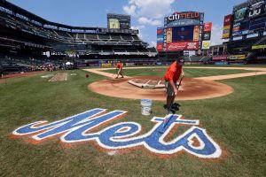 Escándalo de Grandes Ligas: gerente general de los Mets le envió fotos explícitas y no solicitadas a una reportera