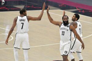 """Un equipo que puede hacer época en la NBA: el """"Big Three"""" de Brooklyn compite con los mejores de la historia"""