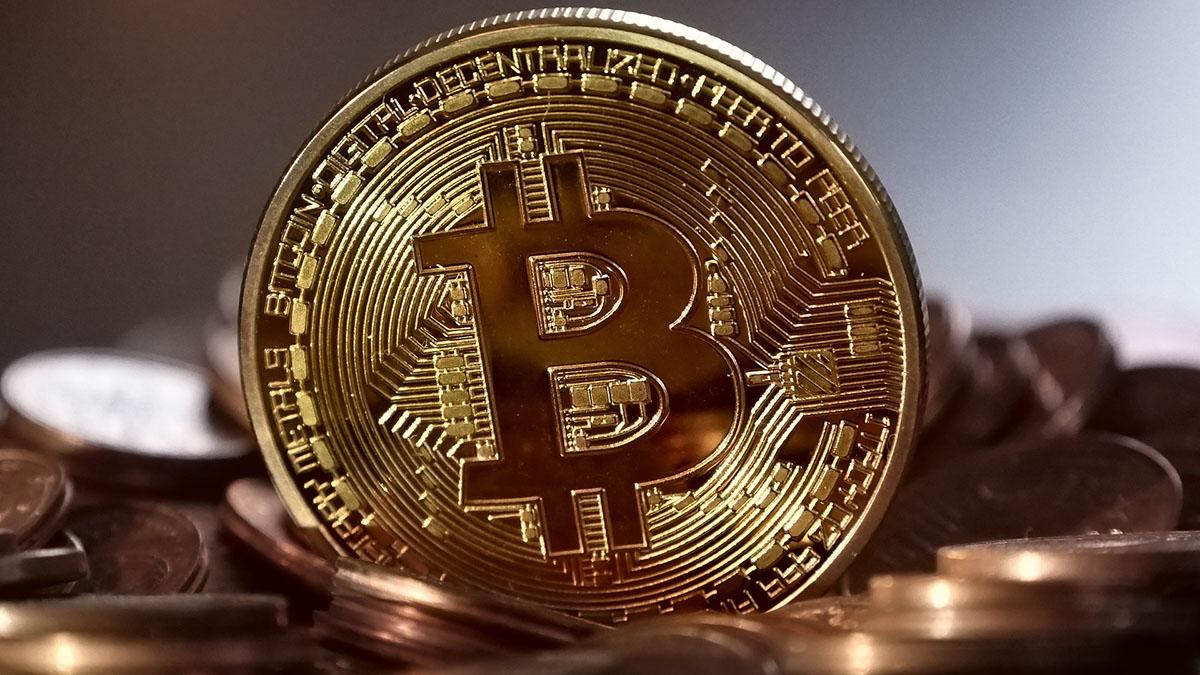 qué es el comercio de bitcoins hoy? negociação binárias opções sobre as ações da ferrari
