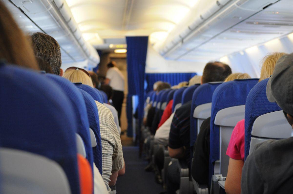 Multimillonario compra todos los boletos de un avión para evitar contagiarse de coronavirus