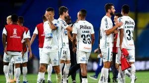 No habrá sanción para Santos tras escándalo de jugar con infectados de COVID contra Boca