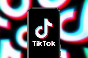 Italia censura TikTok tras muerte de niña de 10 años por peligroso reto