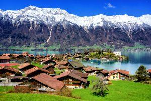 Esta aldea en Suiza te ofrece $70,000 por mudarte ahí