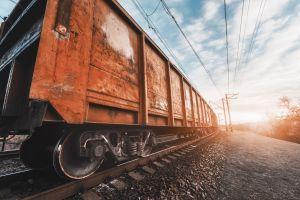 """""""Train Surfing"""": El peligroso reto viral por el que un niño de 11 años perdió las piernas"""