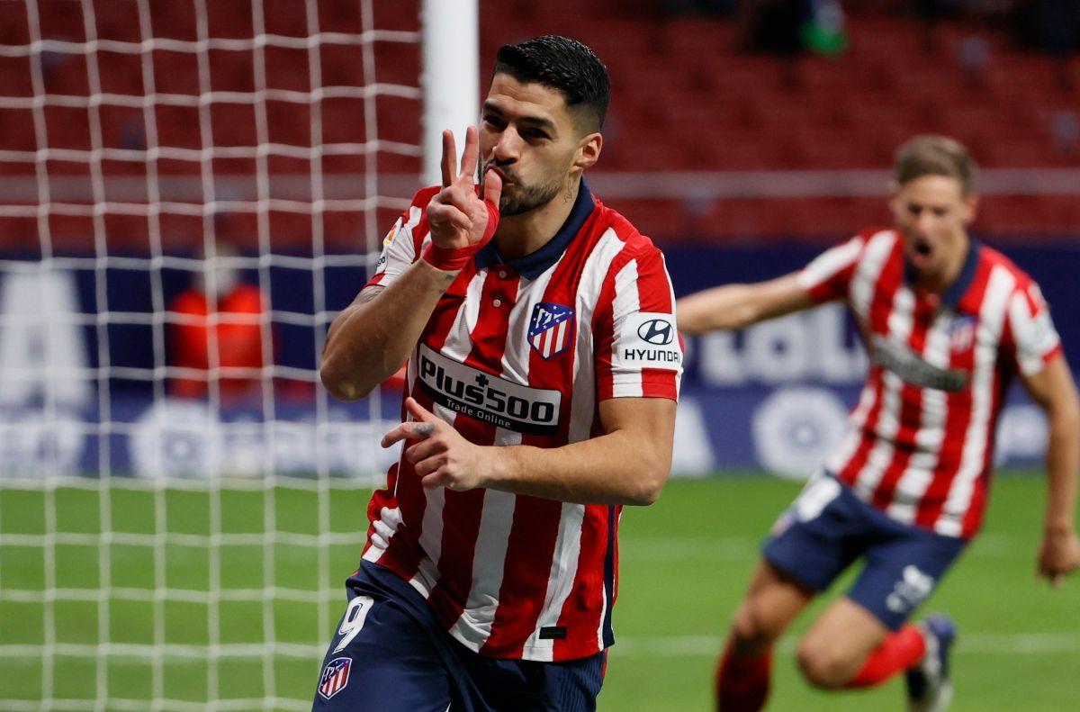 Este líder no falla: Luis Suárez y el Atlético de Madrid sometieron al Valencia y dominan La Liga