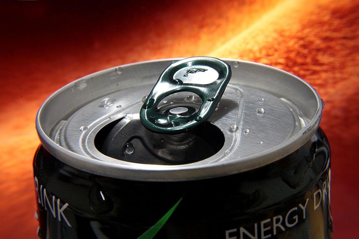 5 efectos negativos que las bebidas energéticas pueden causarle a tu cuerpo