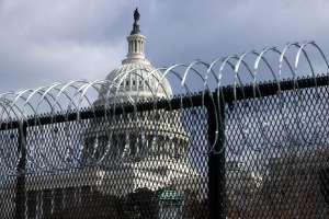 """Policía del Capitolio advierte que milicias quieren """"volar"""" el edificio con Biden dentro"""