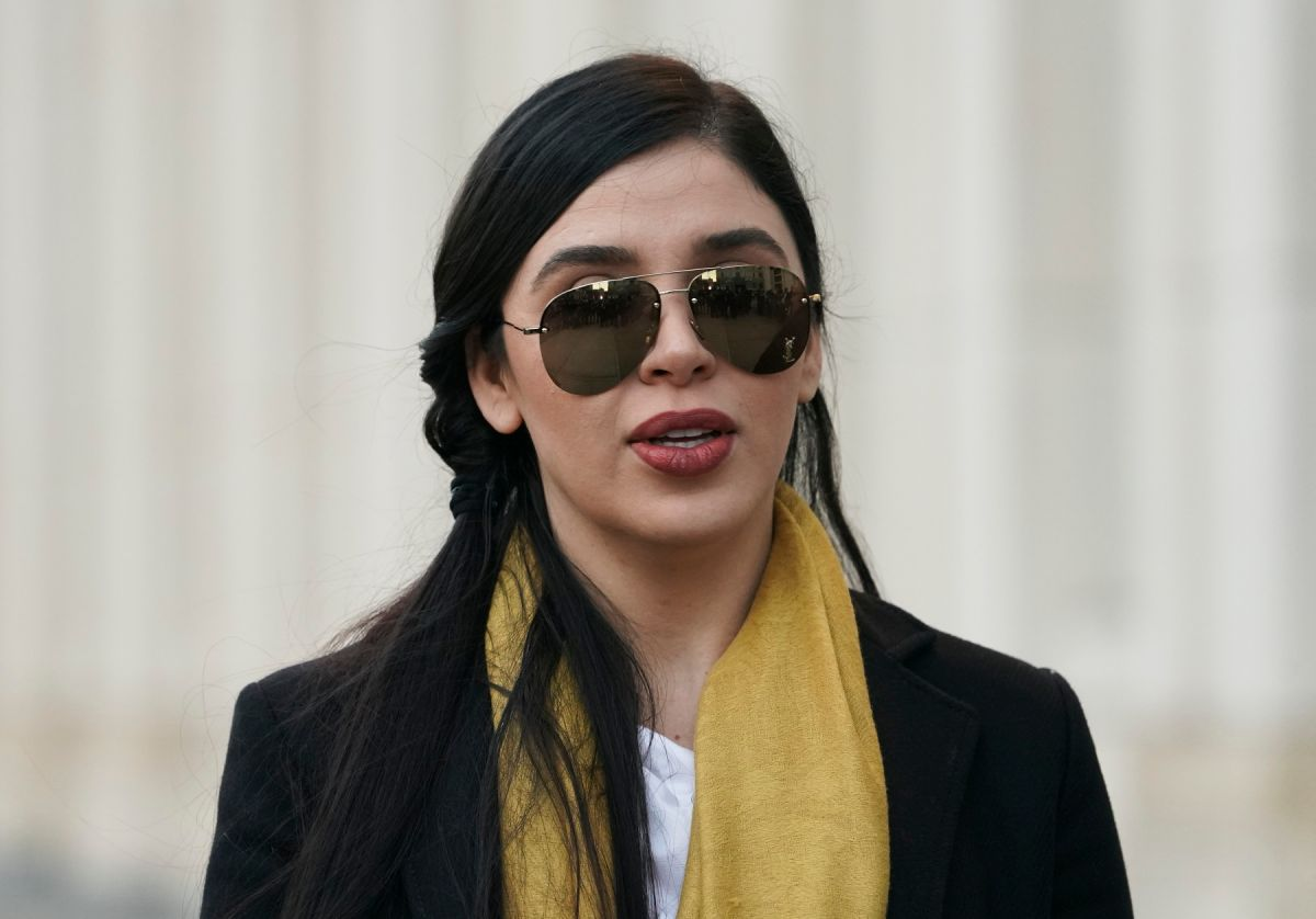 Emma Coronel enfrentaría cadena perpetua por narcotráfico; seguirá detenida sin fianza