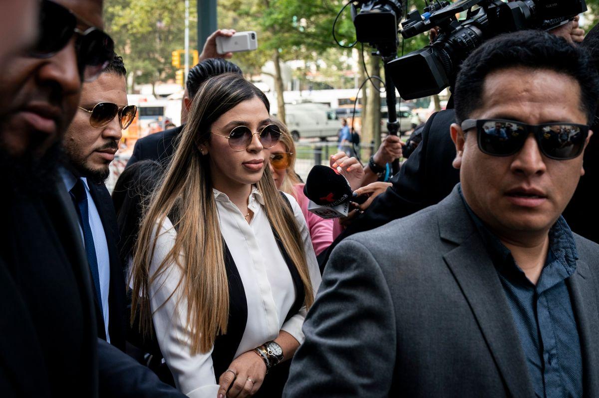 """Emma Coronel """"está nerviosa"""" por el limbo legal que enfrenta en prisión, donde está en cuarentena por COVID-19"""