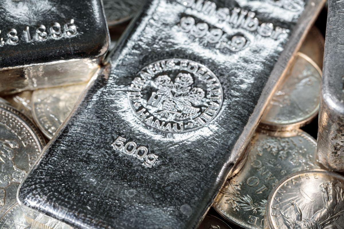 Si la Reserva Federal imprime demasiado dinero el precio de la plata aumentará, pero para eso pueden pasar muchos meses.