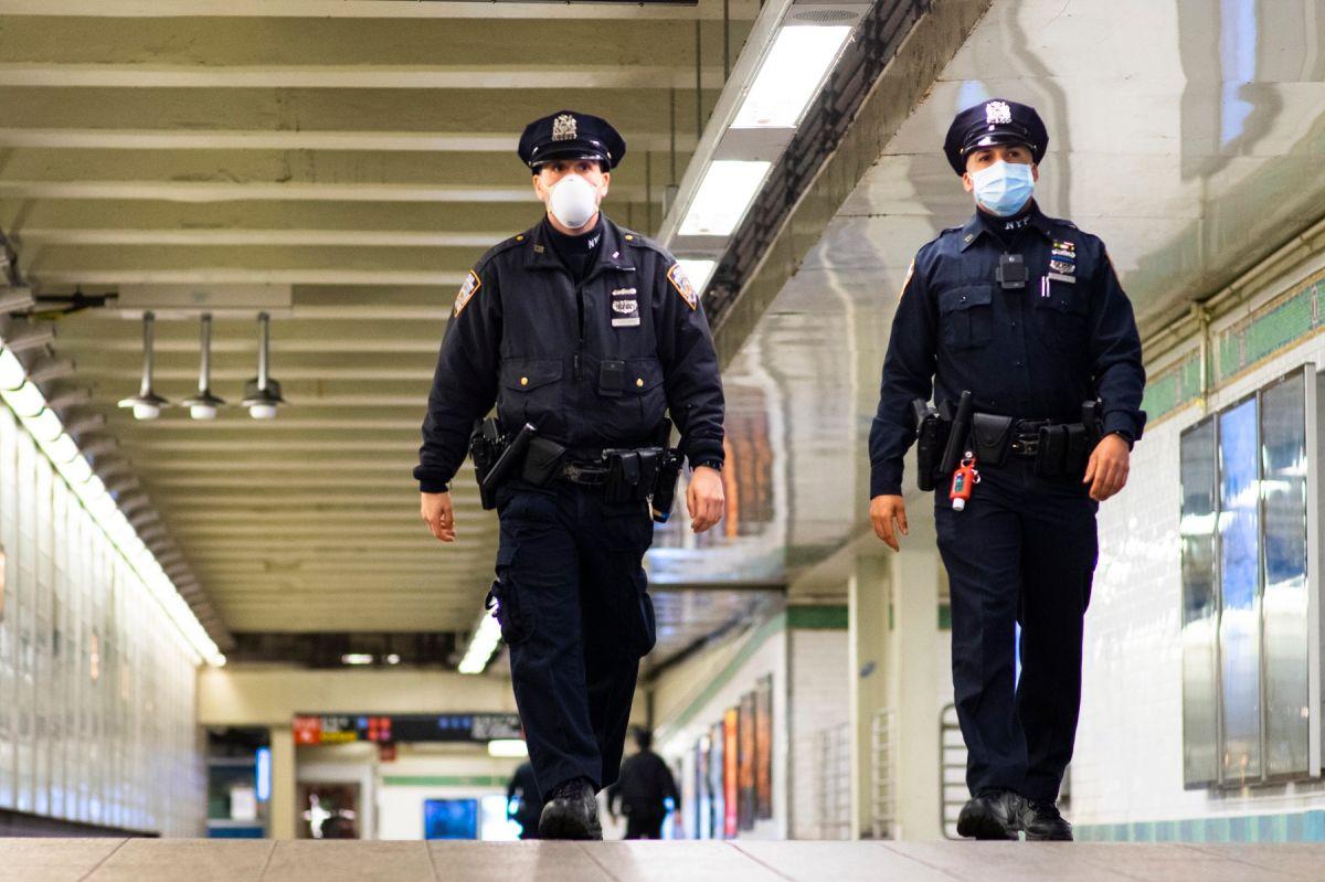 NYPD en el Metro.