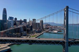 VIDEO: Ladrón comete robo en el tráfico de San Francisco con asombrosa rapidez