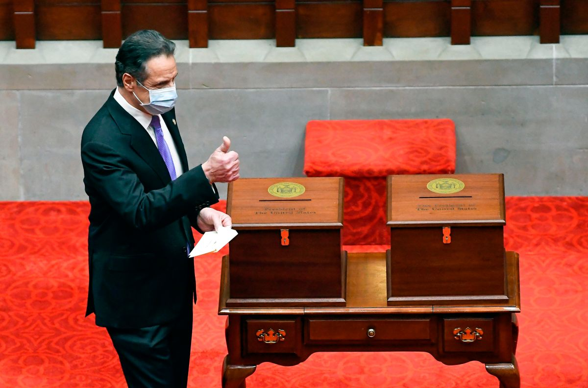 New York Senate takes steps to strip Governor Cuomo of his emergency powers