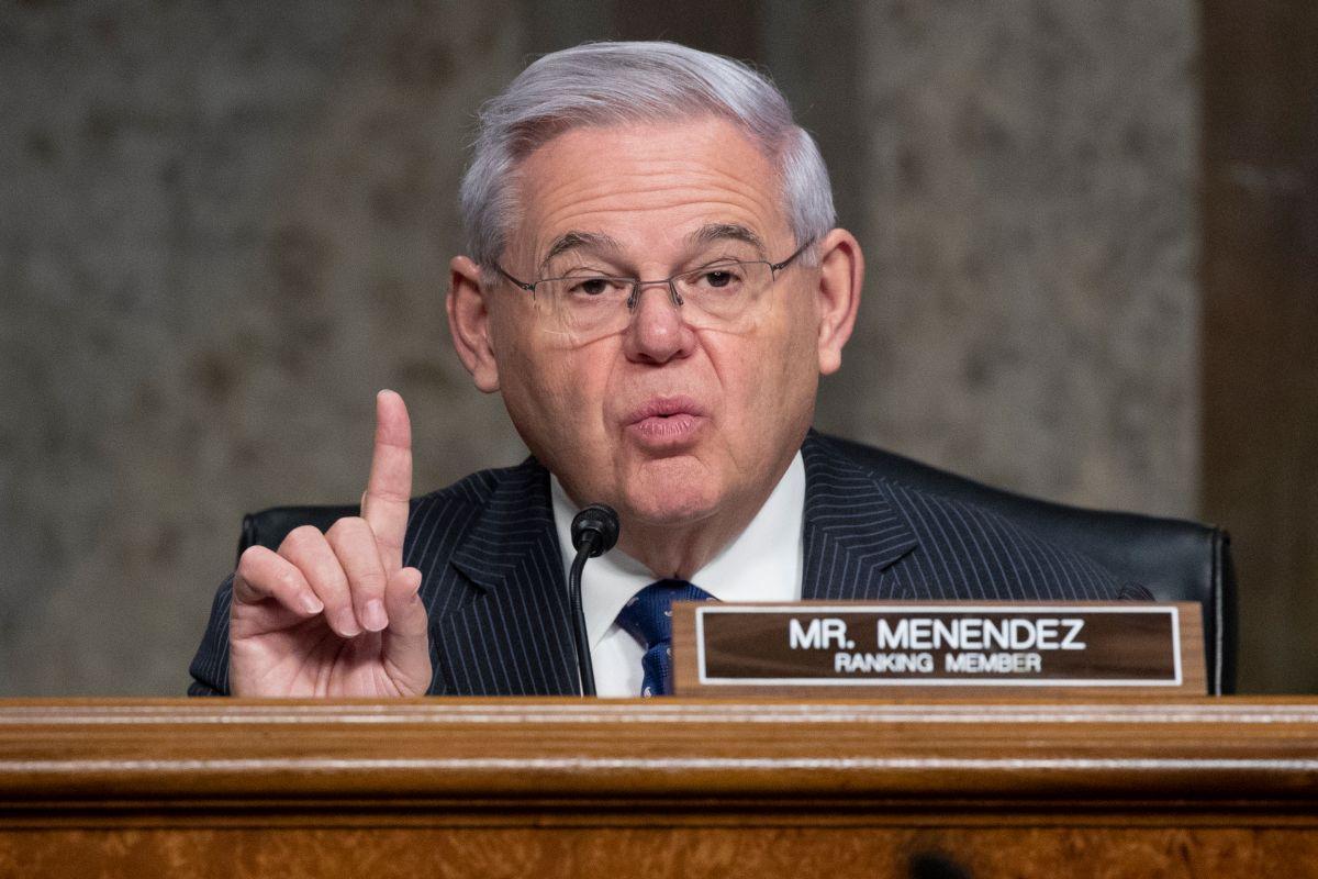 Senador Bob Menéndez dice que dará la batalla para conseguir votos republicanos para aprobar reforma migratoria en el Senado