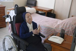 Monja francesa a punto de cumplir 117 años se recupera del coronavirus