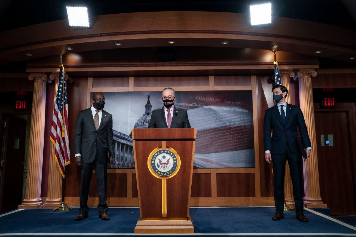 Familia de cuatro recibirá $8,200 de ayuda económica con nuevo paquete de estímulo de Biden
