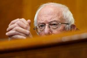 """Bernie Sanders y demócratas tienen """"Plan B"""" para incluir aumento al salario mínimo en paquete de estímulo"""