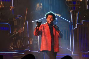 Después de su actuación en el Super Bowl, las canciones de The Weeknd aumentan un 41% en descargas de streaming