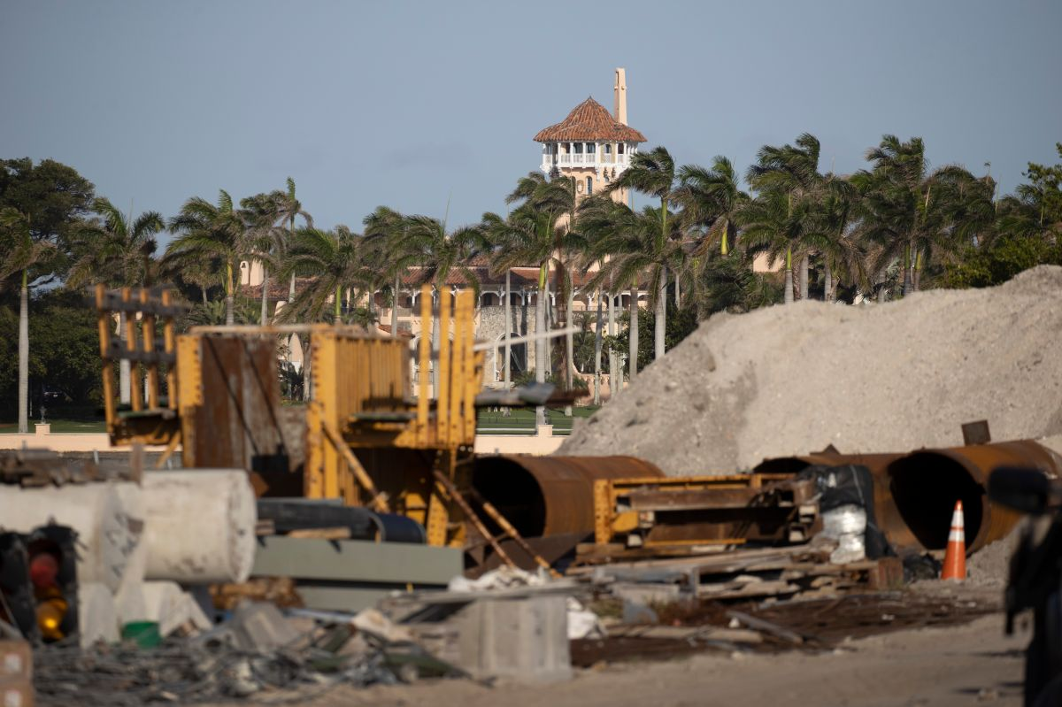 The helipad of Trump's mansion in Mar-a-Lago, Florida, is demolished