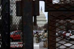 """La Policía del Capitolio advierte que grupos extremistas quieren """"volar"""" el Congreso en próximo discurso de Biden"""