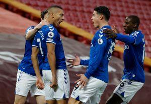 Con un James Rodríguez brillante, el Everton se llevó el Derbi de Merseyside