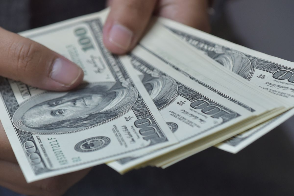 La idea de un cuarto cheque de estímulo ya había sido propuesta por los legisladores al inicio del año.