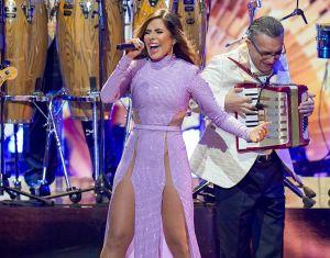 Gloria Trevi dejó claro que no llevaba puesta ropa interior en una de sus presentaciones en Premio Lo Nuestro