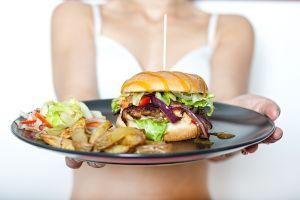 ¿Cuánta comida puede contener tu estómago?