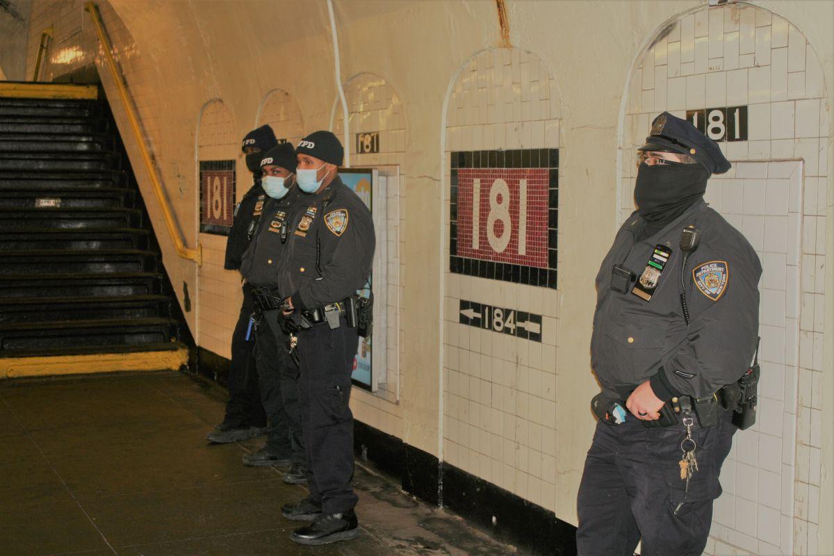 Pese a las críticas el NYPD envió un refuerzo de 644 oficiales a proteger el Subway ante oleada de crímenes violentos