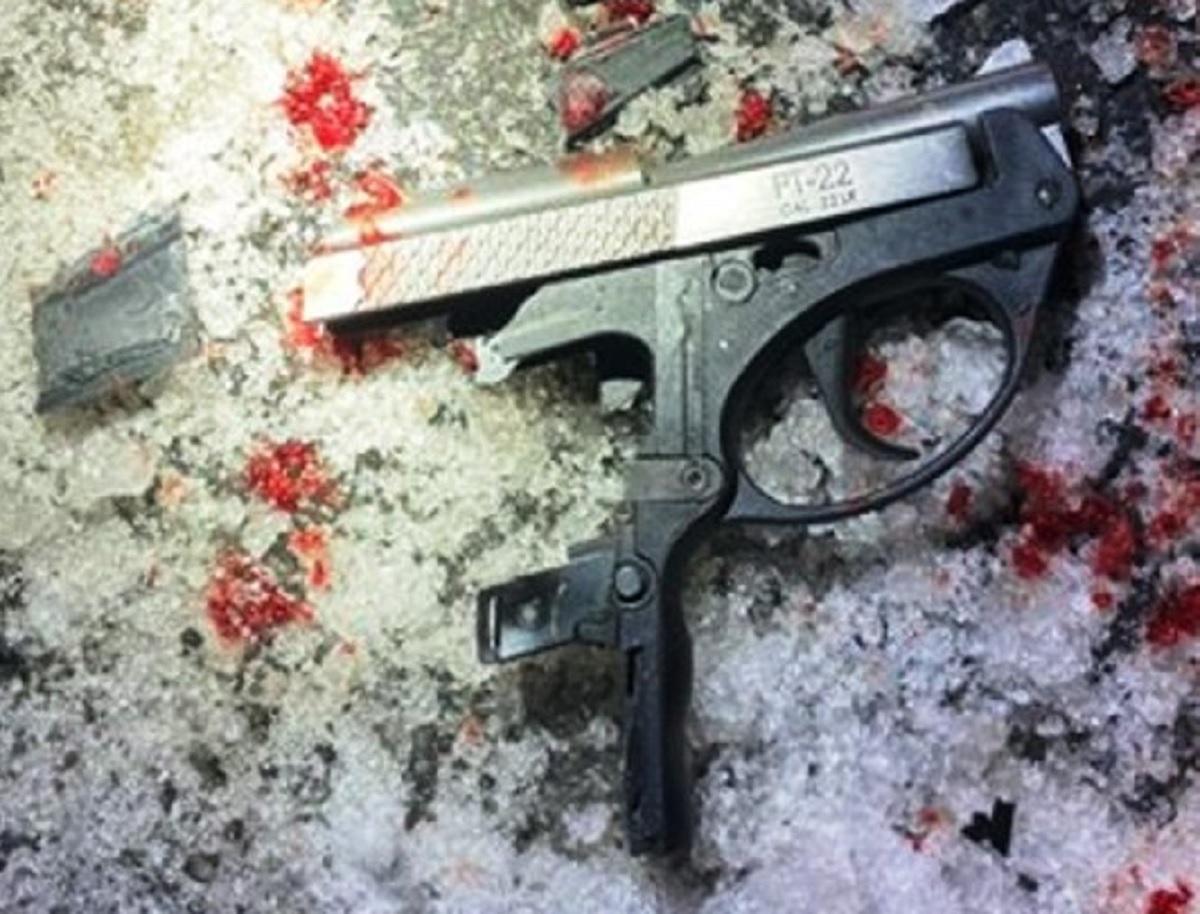 Sujeto dispara a agentes de NYPD en El Bronx y termina gravemente herido