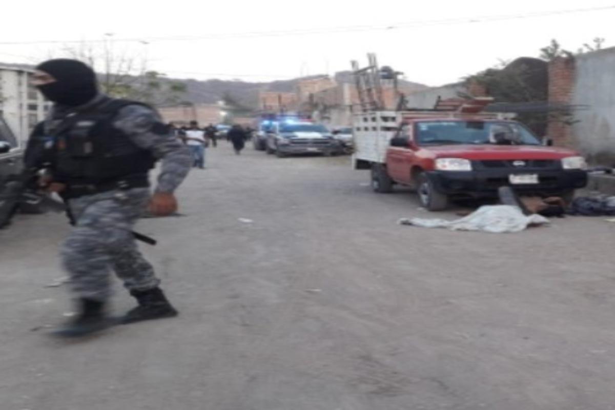 Sicarios matan a 11 obreros que esperaban su pago en zona que el CJNG y Cártel Nueva Plaza se pelean