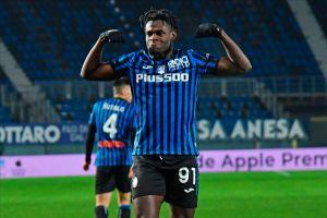 """Los cafeteros del Atalanta le ganan la partida al Napoli del """"Chucky"""" Lozano y lo echan de la Copa Italia"""
