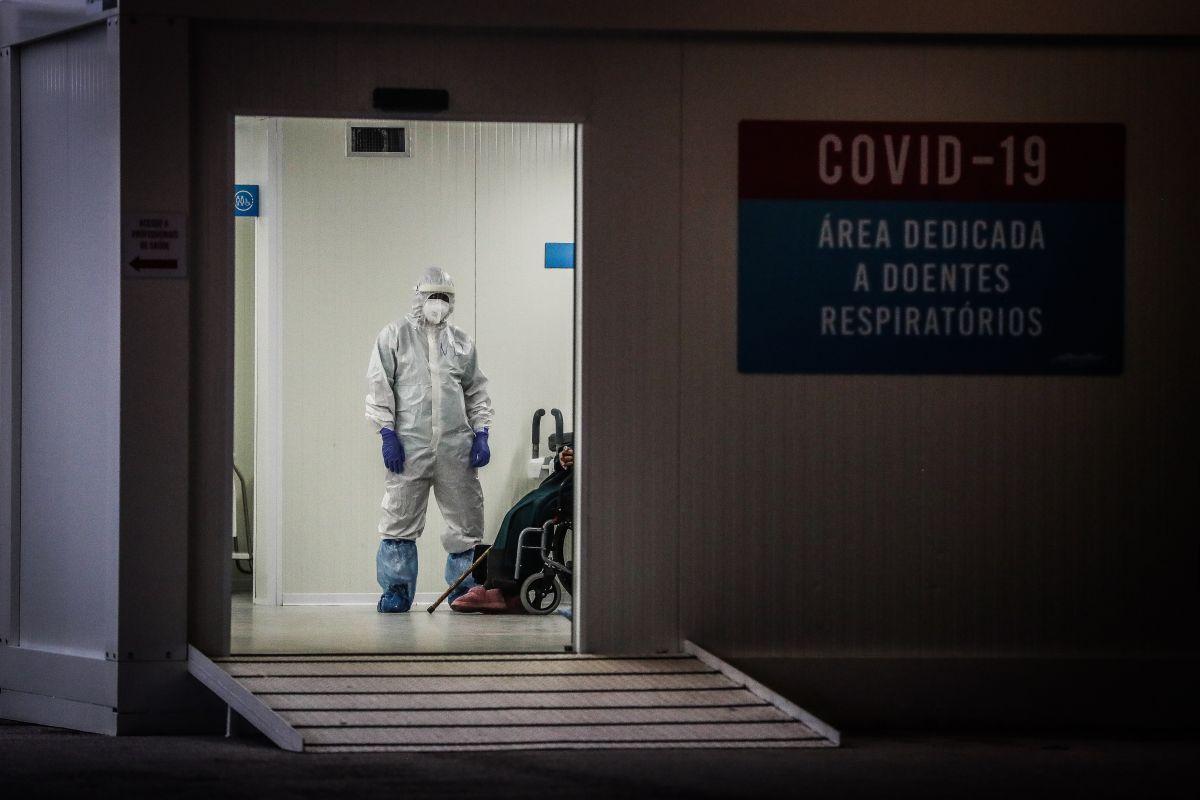 """Identifican nueva variante de coronavirus """"con mutaciones preocupantes"""""""